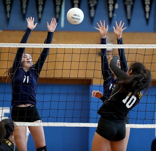 Photos: Alameda High sweeps rival Encinal High in girl's volleyball