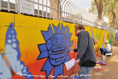 2019-11-09 Artist at work at Guerrero Rotary Park