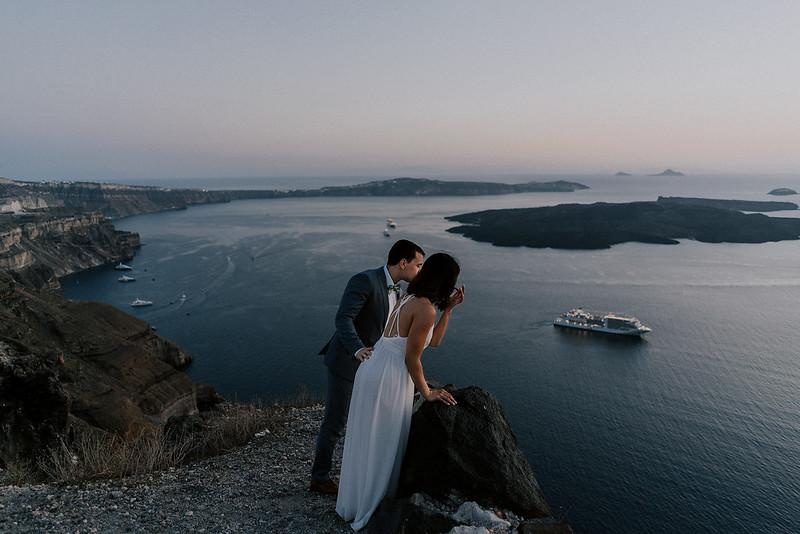 Tu-Nguyen-Destination-Wedding-Photographer-Santorini-Elopement-Alex-Diana-181.jpg