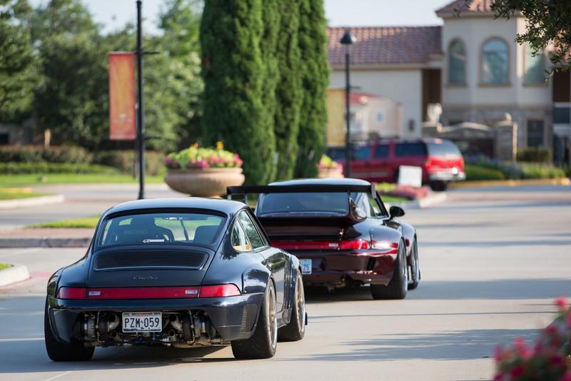 2 - Rauh-Welt Porsche 911 Leaving
