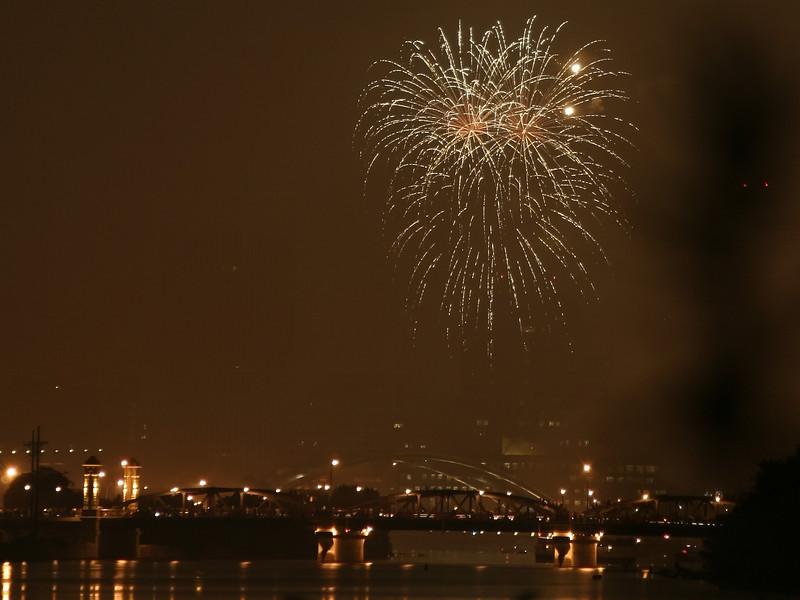 fireworks_15_07042007.jpg