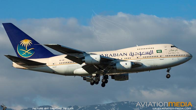 HZ-AIF_SaudiArabianAirlines_B747SP-68.jpg