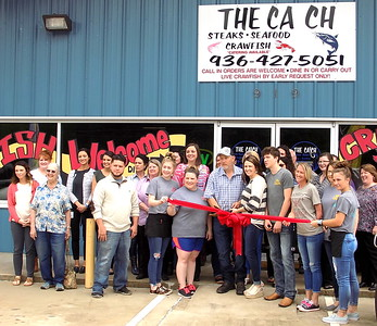 The Catch owners Eric and Mandy Perry hosts Shelby County Chamber Ambassadors for ribbon cutting