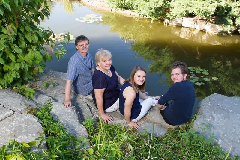 FamilyPortrait_8.20.16_22.jpg
