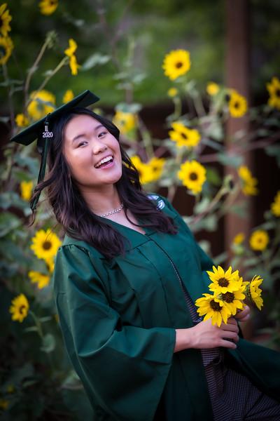 20200521_sarah-friends-connally-graduation_074.jpg
