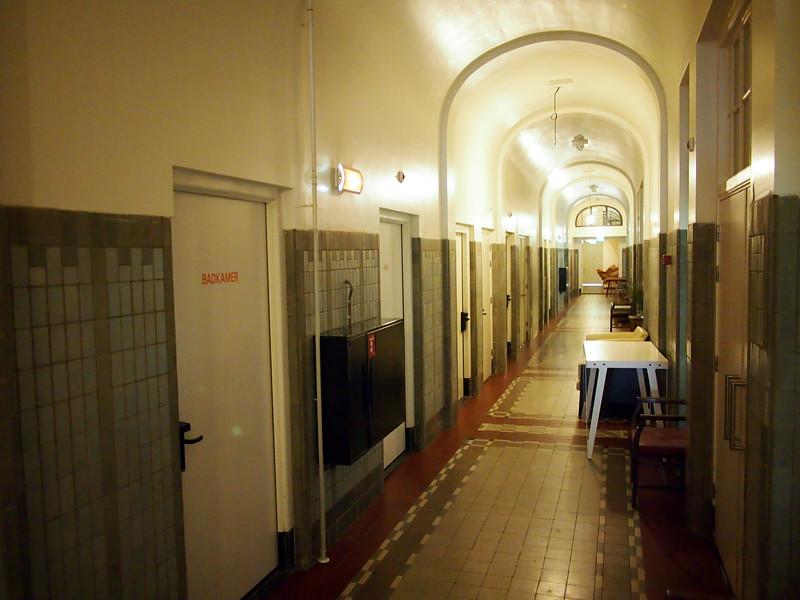 PA093648-hallway.JPG