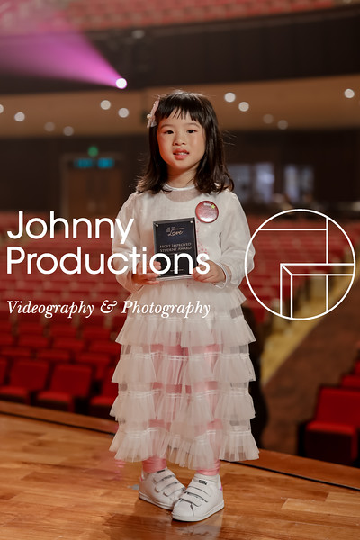 0006_day 1_award_red show 2019_johnnyproductions.jpg