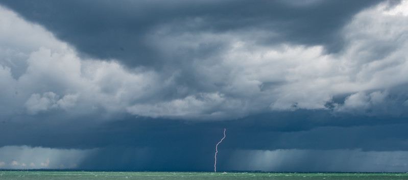 big storm over Lake Erie-7.jpg