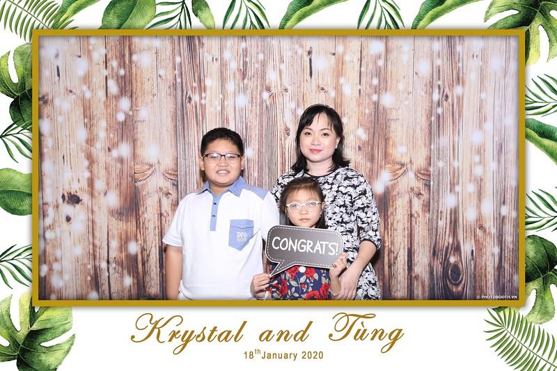 Krystal-Tung-wedding-instant-print-photo-booth-in-Ho-Chi-Minh-City-Chup-hinh-lay-lien-Tiec-cuoi-WefieBox-Photobooth-Vietnam-002.jpg