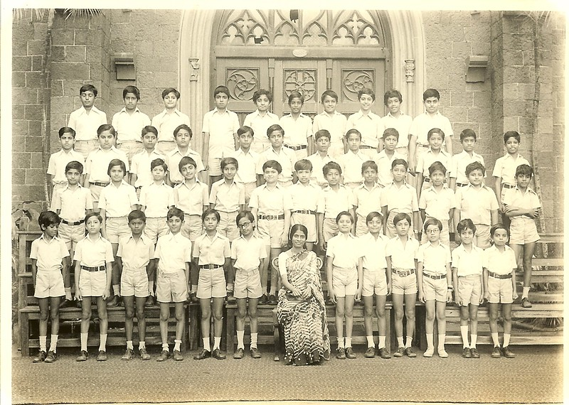 Rajesh Thakkarr Then 2nd row 2nd right.jpg