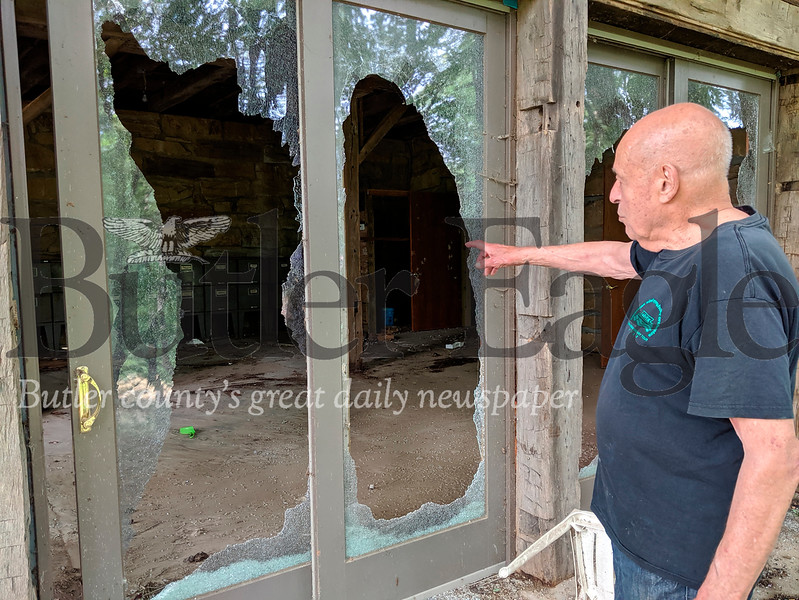bob boudreau's busted windows