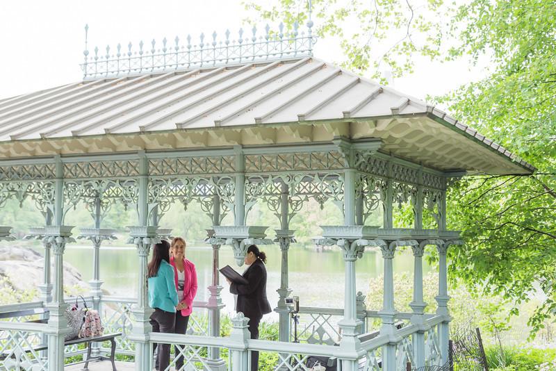 Carla y Constanza - Boda Parque Central-2.jpg