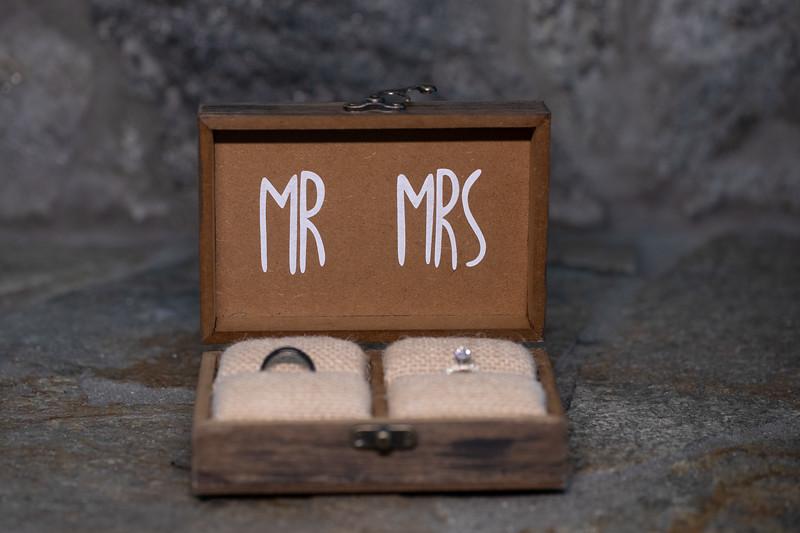 Mr and Mrs Souza-5.jpg
