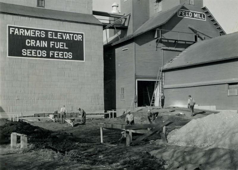 JA033.  Building annex on Farmers Elevator Co. – 1939 .jpg