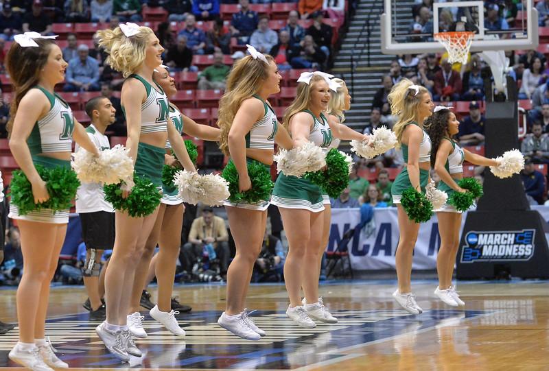 cheerleaders4097.jpg
