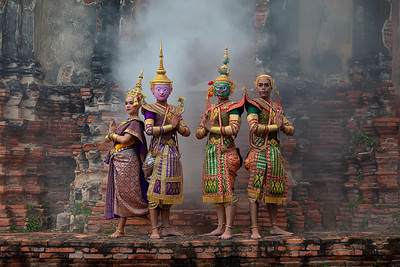 Royal Khon Performers