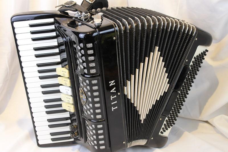 30 accordion 1.jpg
