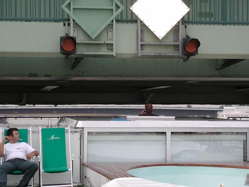 Will the Captain's head strike the bridge?