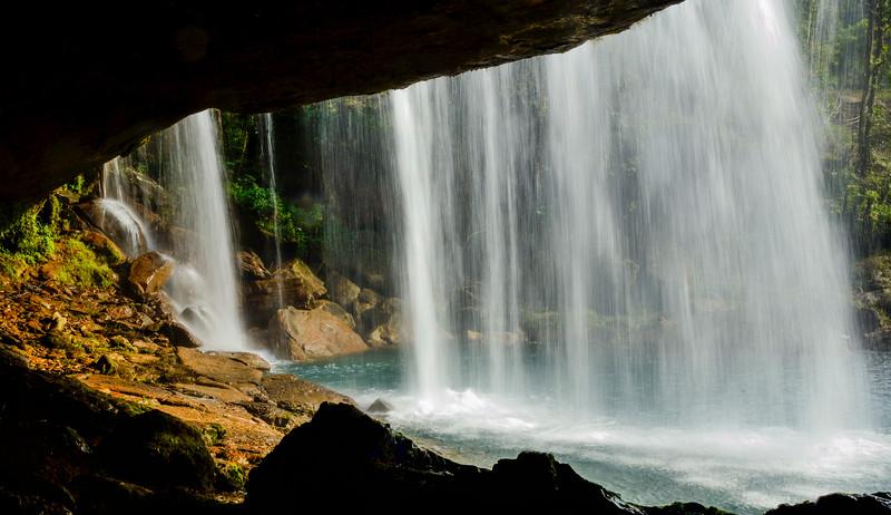 Khrang-Suri-Waterfalls-Meghalaya-2.jpg