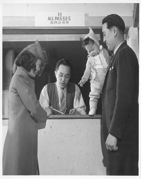 IssueingOFPasses-1944-03-18.jpg