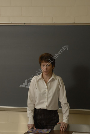 24571 Sharon Ryan teaching in classroom