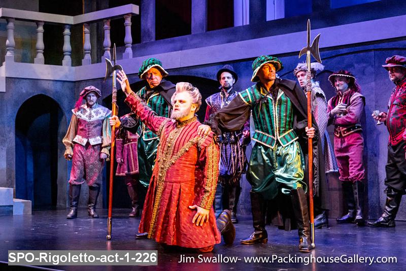 SPO-Rigoletto-act-1-226.jpg