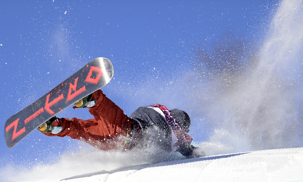 . Norway\'s Torgeir Bergrem falls during competition in the Men\'s Snowboard Slopestyle qualification at the Rosa Khutor Extreme Park during the Sochi Winter Olympics on February 6, 2014.    AFP PHOTO / JAVIER SORIANO/AFP/Getty Images