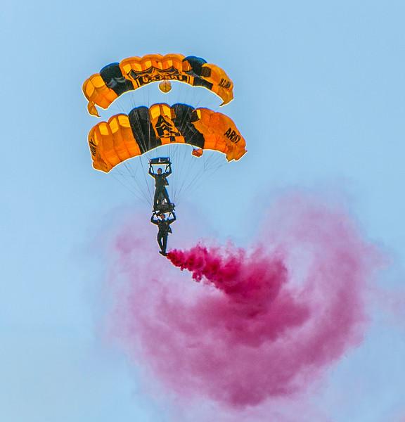 Sky Divers-9.jpg