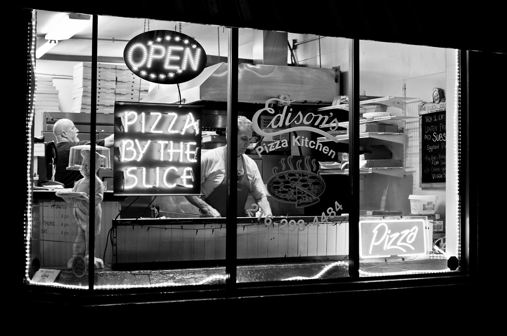 3/21/12<br /> <br /> Edison's Pizza at night,  Cleveland OH.