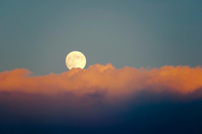 Moony Sunset-0047.jpg