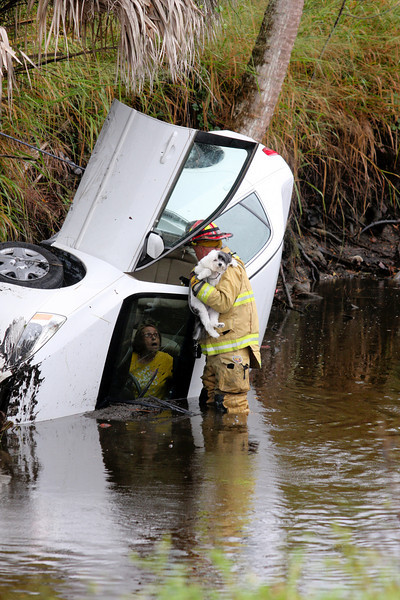Car in Canal 43rd Ave Oslo 10-18-11