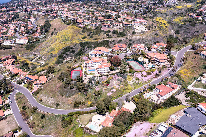 Aerial view of luxury homes as seen from Rancho Palos Verdes, California