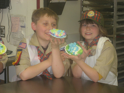 2007 Cub scouts at the bakery