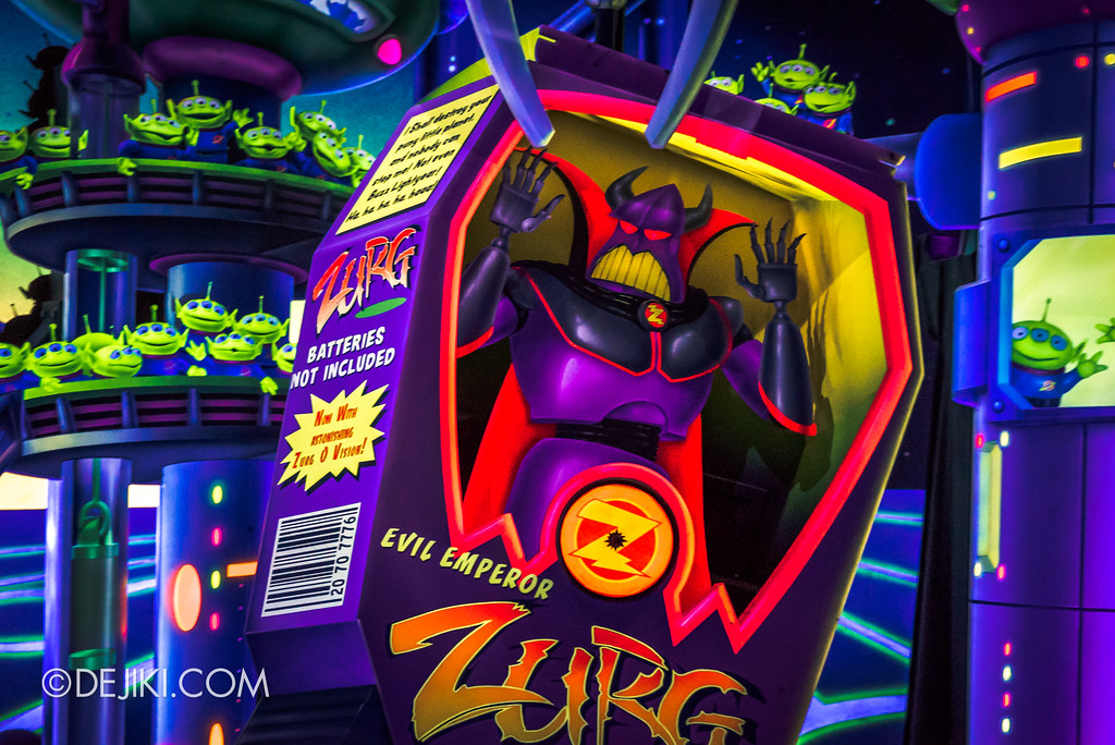 Hong Kong Disneyland Buzz Lightyear Astro Blasters Last Mission - Ending Scene, Emperor Zurg boxed up