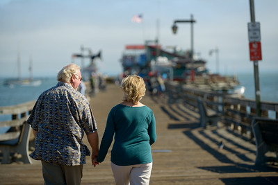 6495_d800b_Michael_and_Rebecca_Capitola_Wharf_Couples_Photography