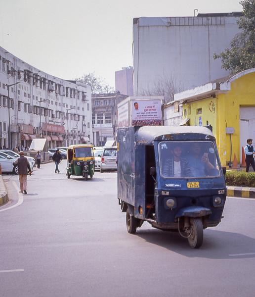 Delhi-E100-01_002.jpg