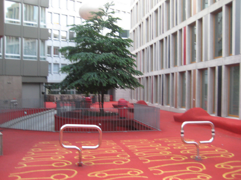 red_livingroom_art_3.jpg