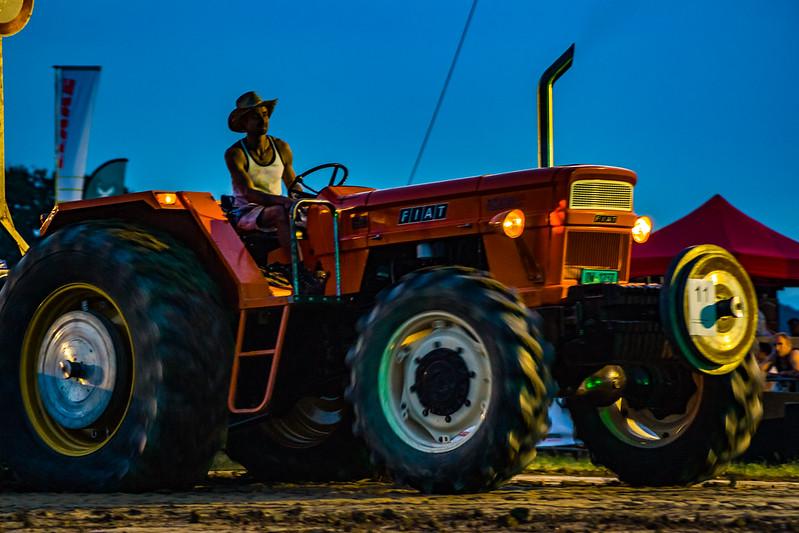 Tractor Pulling 2015-01746.jpg