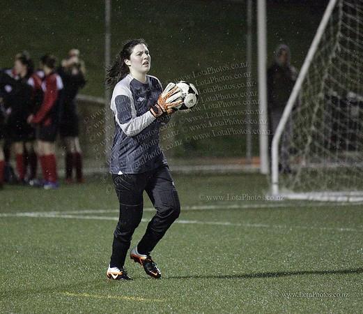 jm20120822 Wgtn Prem 1 girls football final _MG_9309 b
