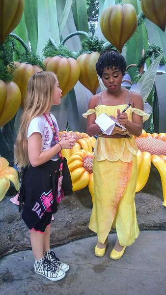 2014.10.21 - Disneyland. Iridessa the fairy.