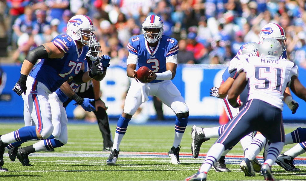 . EJ Manuel #3 of the Buffalo Bills fakes a handoff against the New England Patriots at Ralph Wilson Stadium on September 8, 2013 in Orchard Park, New York.  (Photo by Rick Stewart/Getty Images)