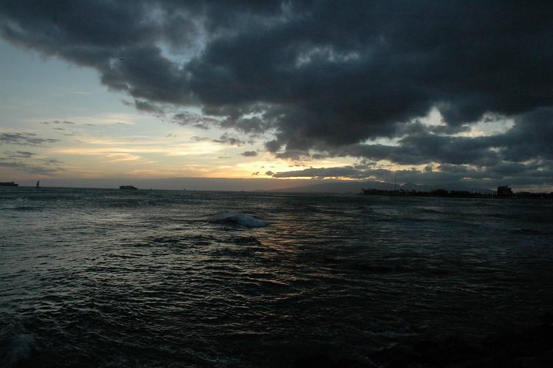 Hawaii - Ala Moana Beach Sunset-92.JPG