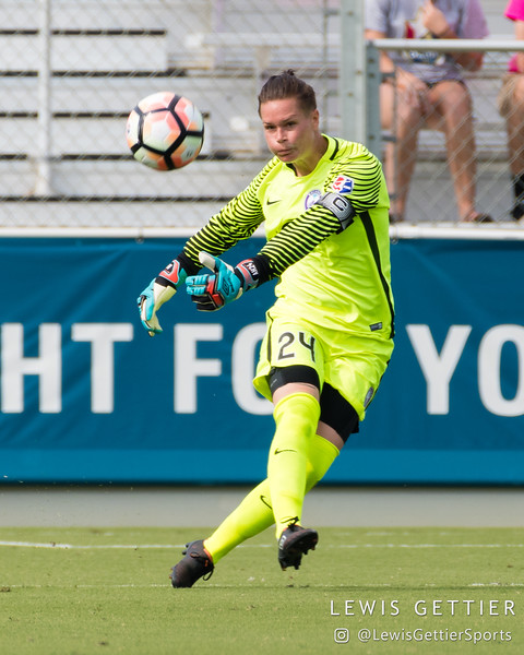 Ashlyn Harris (24) during a match between the NC Courage and the Orlando Pride in Cary, NC in Week 3 of the 2017 NWSL season. Photo by Lewis Gettier.