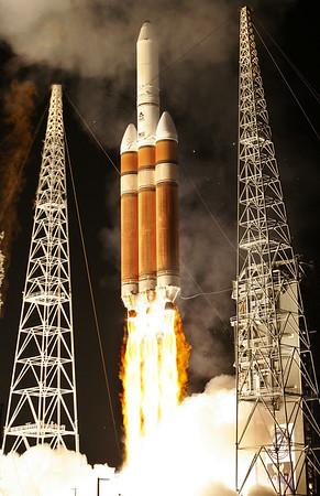Delta 4 Heavy DSP Launch Cape Canaveral. Nov. 11, 2007