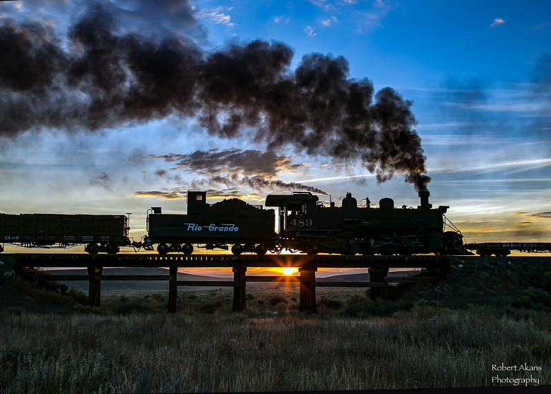 Sunrise at Ferguson Trestle 9907.jpg