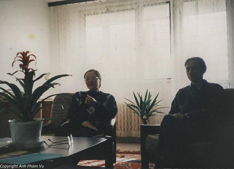 Co Lan Huong Visit 90s 13.jpg