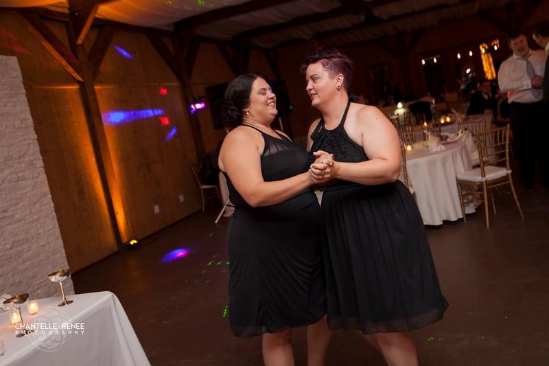 CRPhoto-White-Wedding-Social-640.jpg