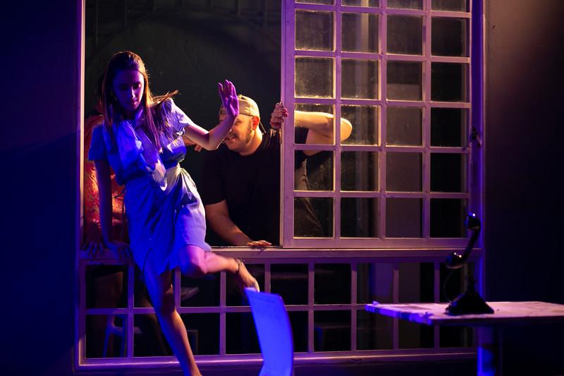 Allan Bravos - Celia Helena - O Beijo no Asfalto-267.jpg
