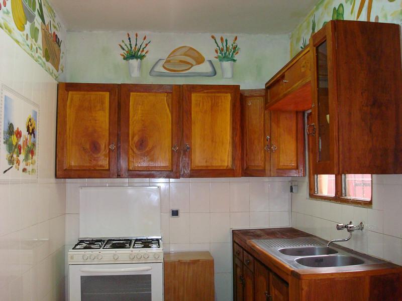 Cuisine - Villa 3 pièces meublées et climatisée avec la connexion internet haut débit 70 Euros par jour - 46000 F CFA par jour