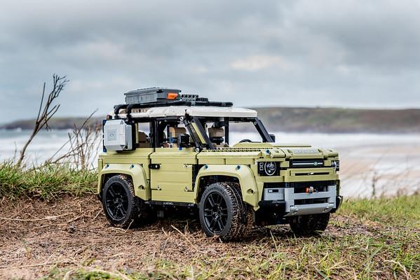 42110 - Land Rover Defender